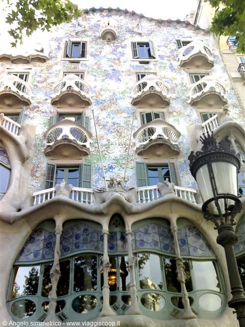 Architettura cultura e vita barcellona spagna for Affitto case vacanze barcellona spagna