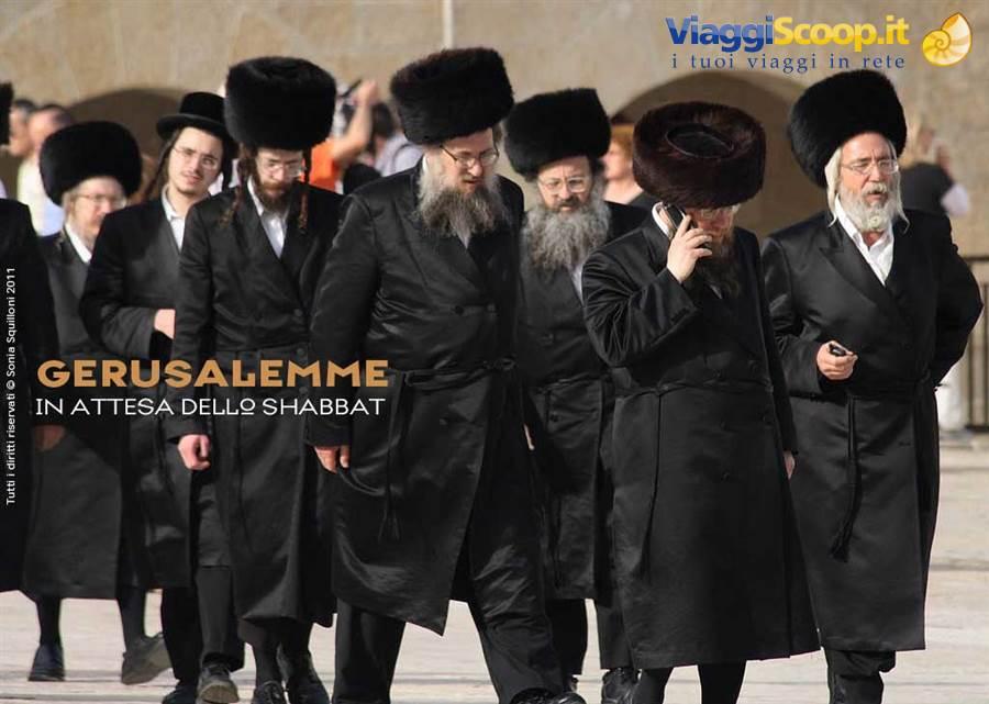 foto Ebrei ortodossi verso il Muro del Pianto ISRAELE