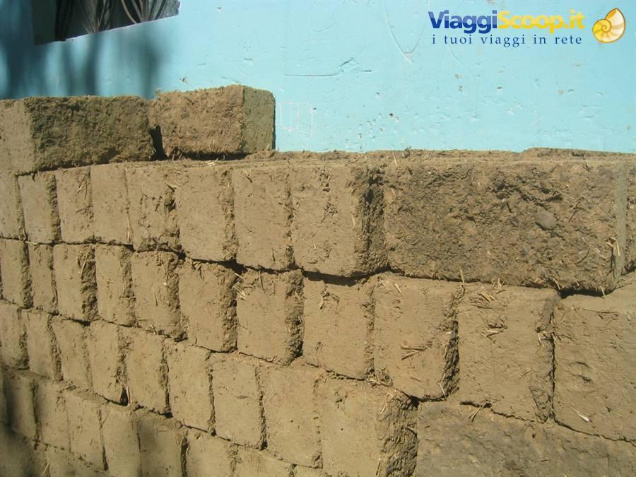 Case Di Mattoni Di Fango : Foto case fatte di mattoni di fango peru