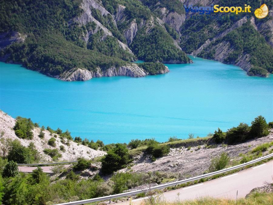 Lago Di Serre Poncon   Francia