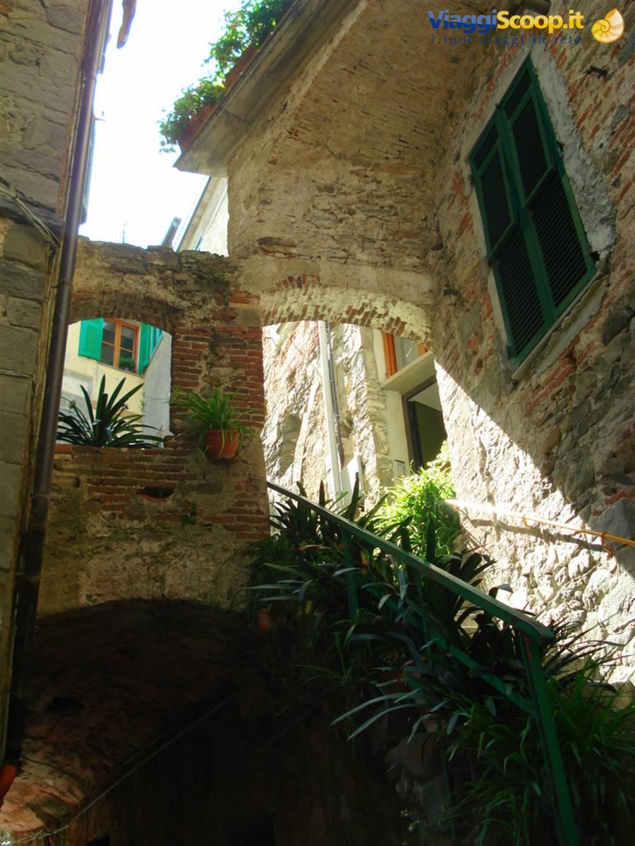 Foto case antiche corniglia italia for Foto case antiche