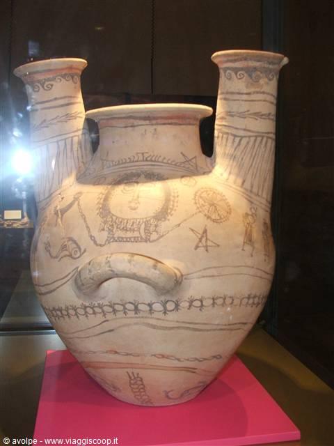 Alcuni castelli federiciani italia for Vaso greco a due anse