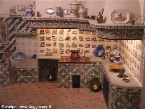foto museo della ceramica, cucina museale spagna - Ceramica Cucina