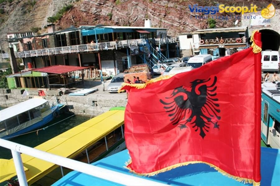 www.born2travel.it ALBANIA