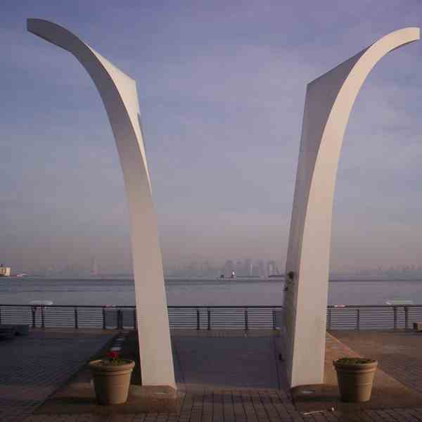 Staten Island, Monumento alle Twin Towers