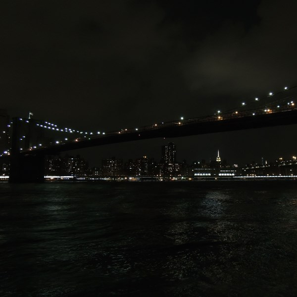Brooklyn Bridge by nigth