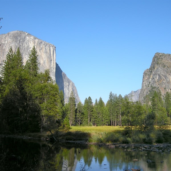 Yosemite National Park - The Valley - El Capitan & The Three Brothers