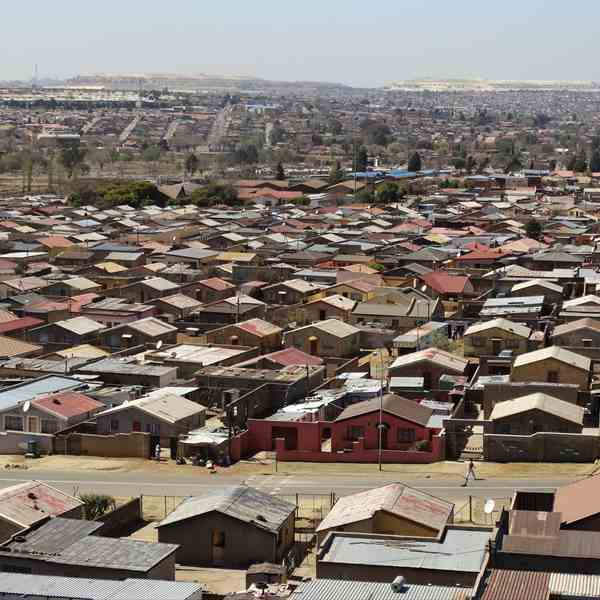 Soweto, collina artificiale a distanza.