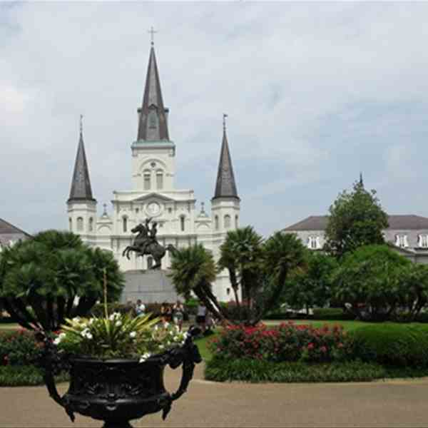 NEW ORLEANS - ST . LOUIS CATHEDRAL